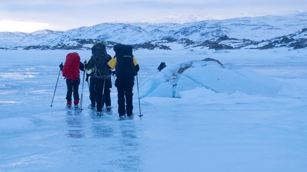 Verrassing! Komt niet vaak voor, maar deze keer liep de temperatuur zoveel op dat er water op ijs van de meren verscheen.
